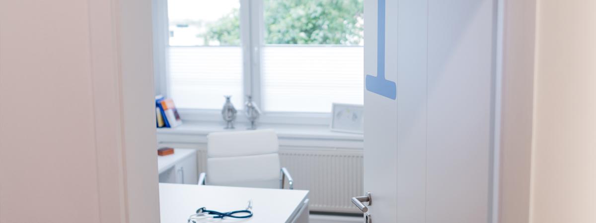 Hausbesuche & Betreuung | Hausärztin im Westen Dr. Karin Schmid